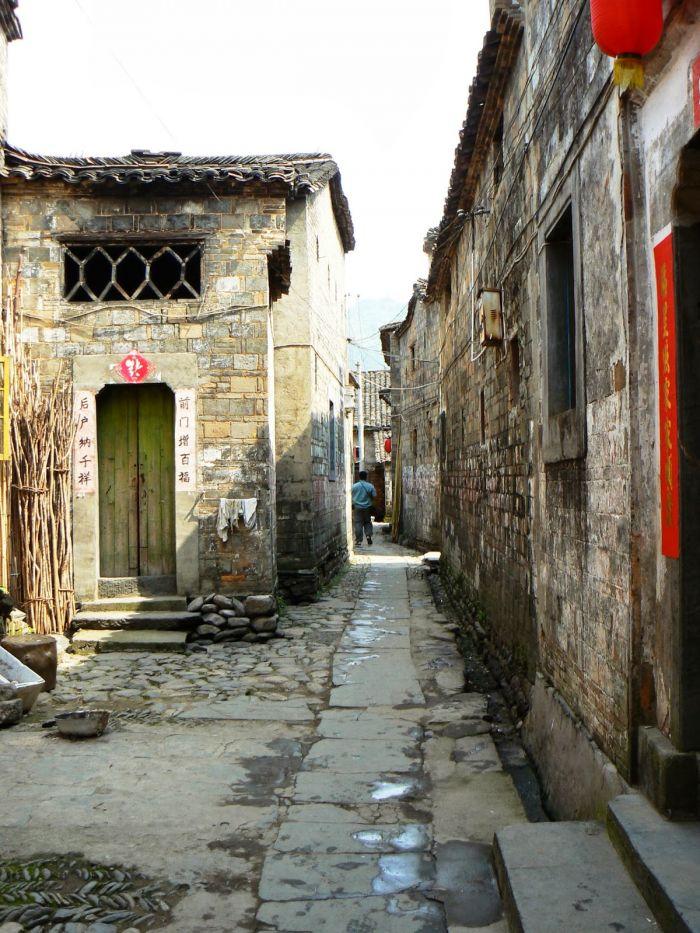 壁纸 风景 古镇 建筑 街道 旅游 摄影 小巷 700_933 竖版 竖屏 手机