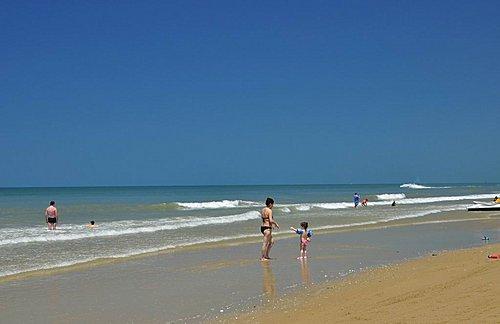 海南岛三亚-牙龙湾及三亚海滩