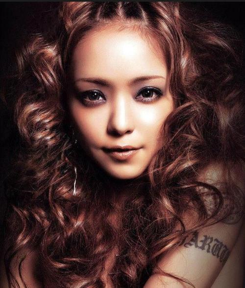 安室奈美惠 - come 空间链接 【犬夜叉】里面的歌曲