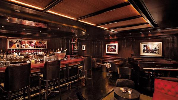半岛酒吧 the bar