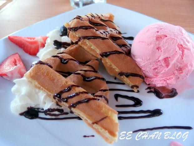 bistro bistro Cafe & Lounge