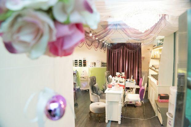 Club Carlo Nail & Beauty Salon