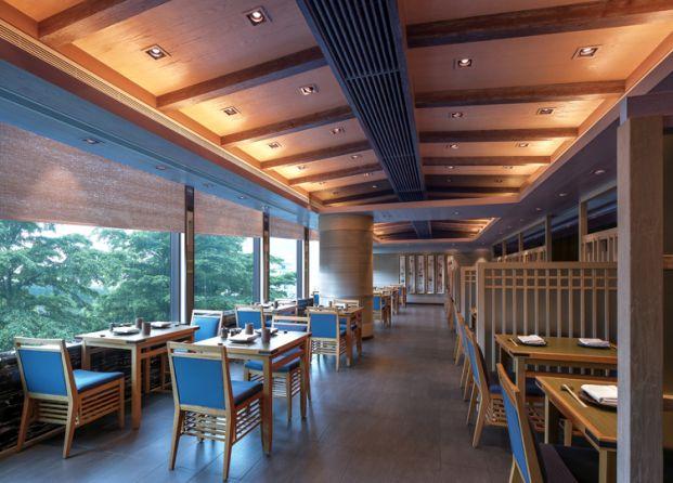 Café East (前身為日航咖啡室Café Serena)