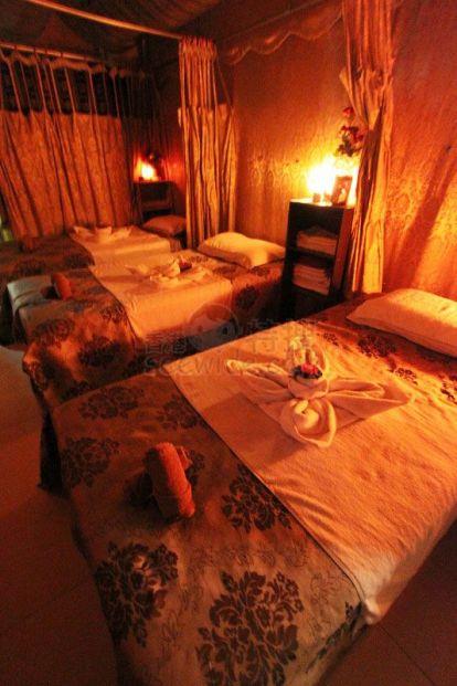 bröstsmycken pink thai massage