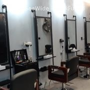 Circle in hair studio